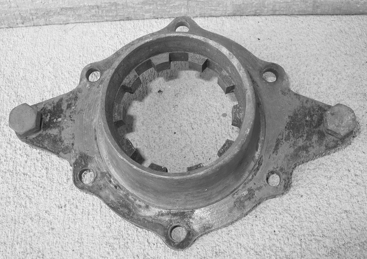 AA-4808 Coupling Shaft Housing Rear Support 1.jpg
